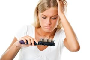 oorzaken haaruitval bij vrouwen