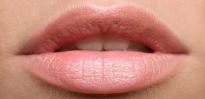 Een passende verzorging voor zowel droge als gebarsten lippen